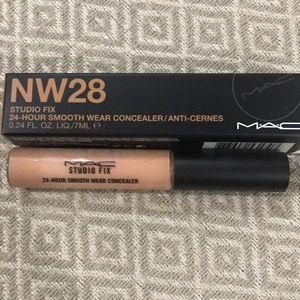 MAC Studio Fix Concealer NW28